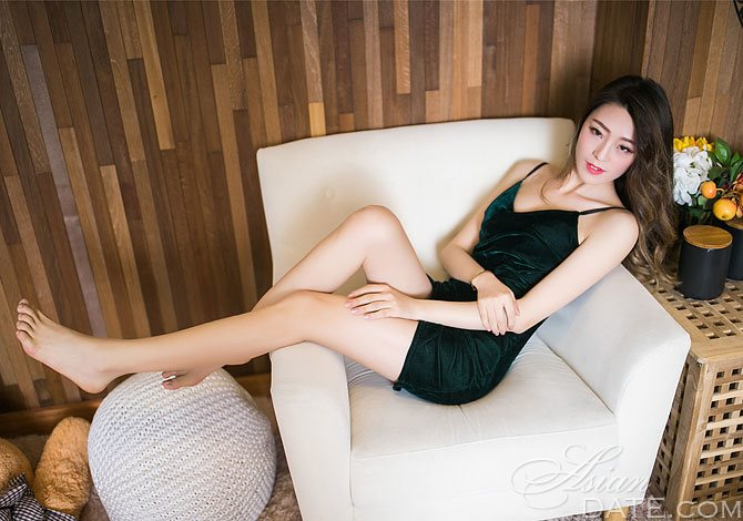 Chinese woman AsianDate