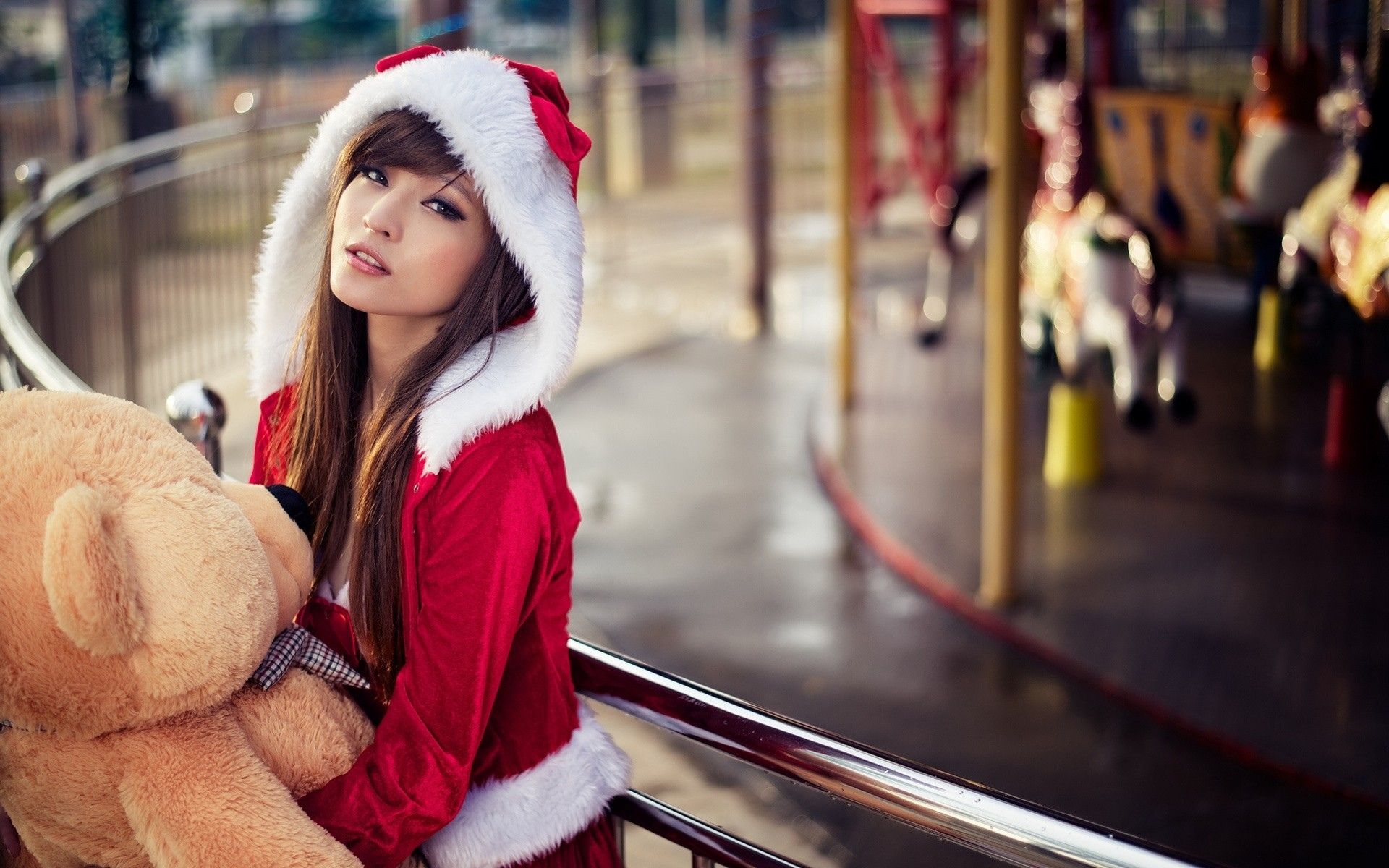 Asian Date | Creative Ways To Send Your Christmas Gifts When Online Dating