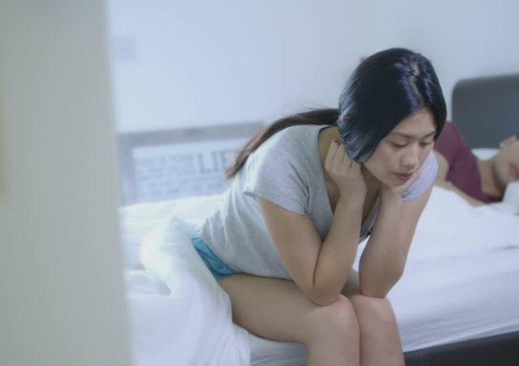 How To Fix The Sleeping Problems That Are Ruining Your Relationship | Asian Date