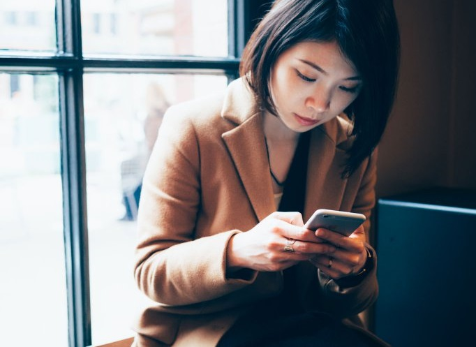Your Smartphone Choice Reveals A Lot About Your Personality   Asian Date