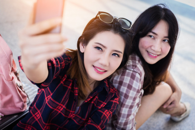 These Are The Main Reasons Why Your Friends Make Bad Matchmakers | Asian Date